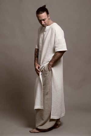 Man is wering an orgnaic linen outfit