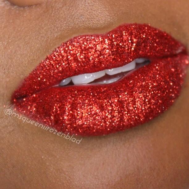 Glitter Lip queeniirozenblad
