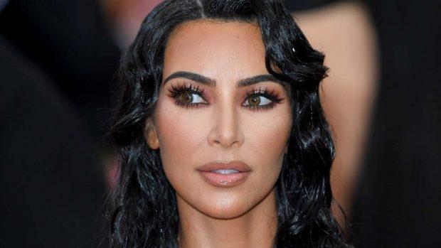 Kim kardshian west contact lens