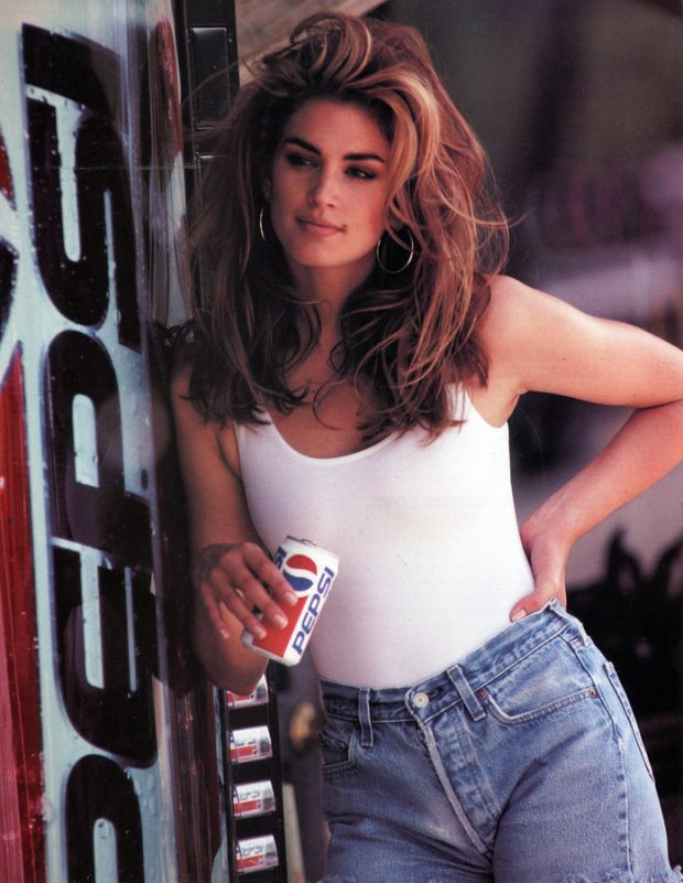 How to Dress Like a 90s Supermodel