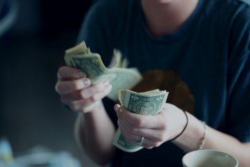 women money invest