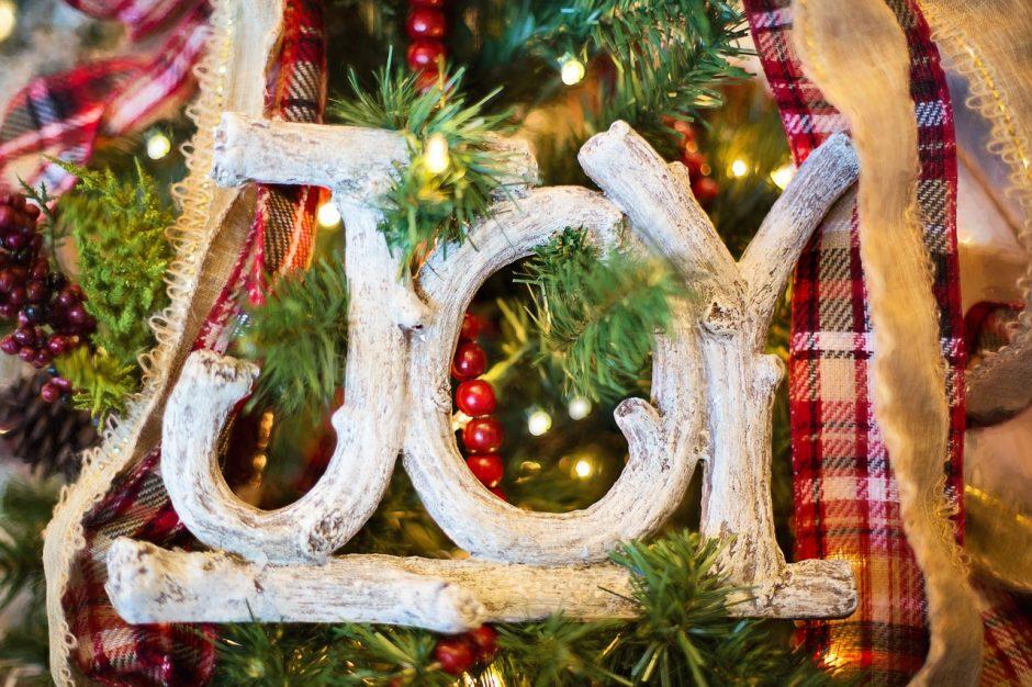 eco friendly decorations for season