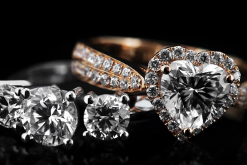 why diamonds turn yellow
