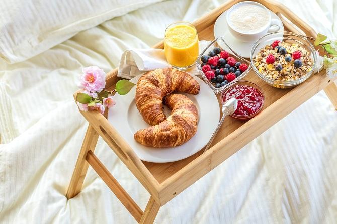 Simple Romantic Breakfast Ideas
