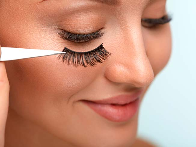 how to clean srip lashes