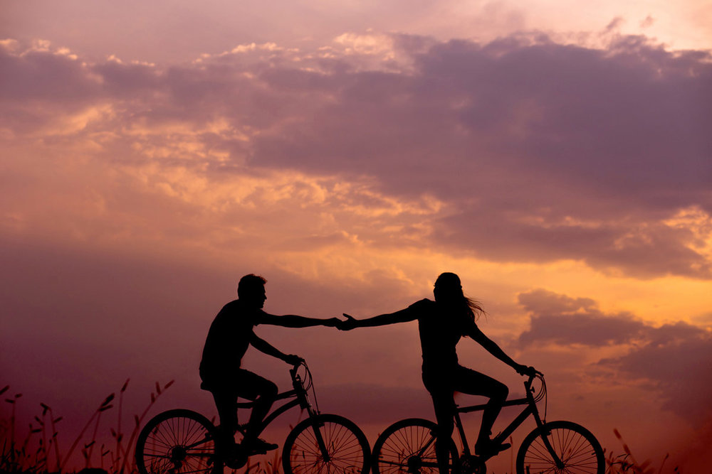 a perfect date on bikes