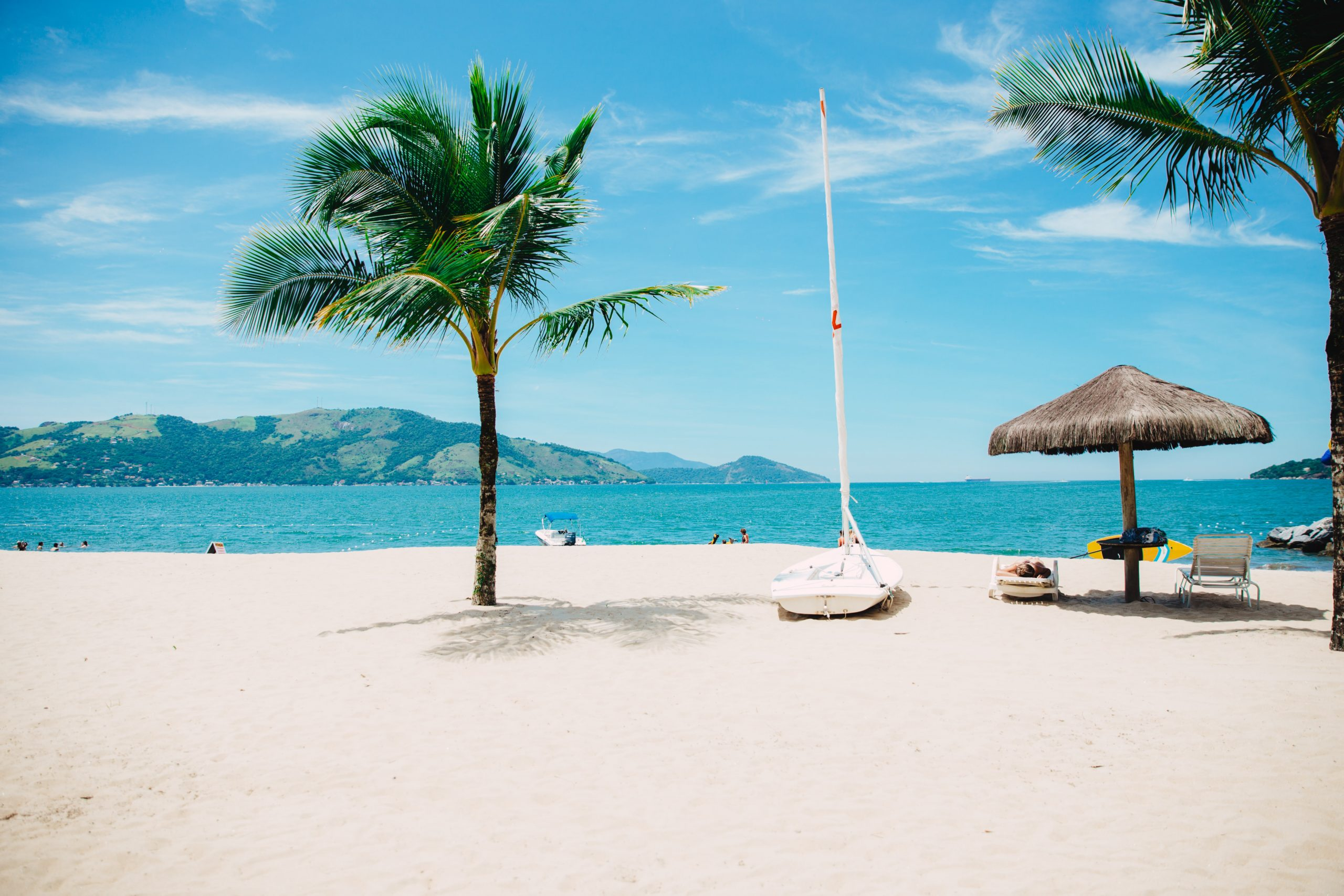 What Should You Take on a Beach Trip