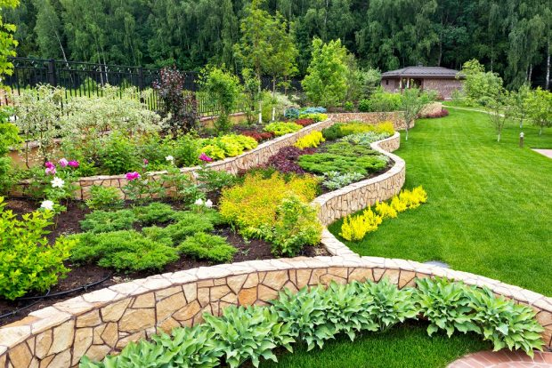 Benefits of Landscaping Your Lawn