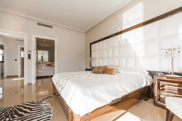 Nice Bedroom Decor Helps You Get A Good Night Sleep