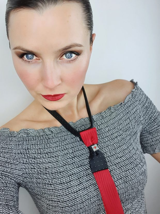 neck accessory by Bebrave textiles