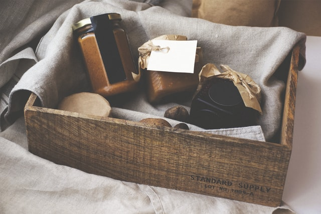 Best Places to Buy Housewarming Gifts