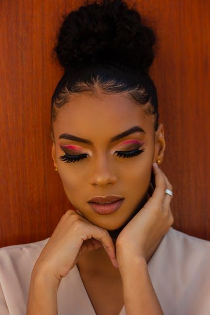False Eyelashes: The Ultimate Beauty Guide