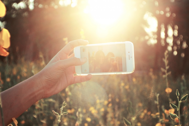 Top Tips To Always Make A Flawless Selfie